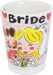 Blond mok bride